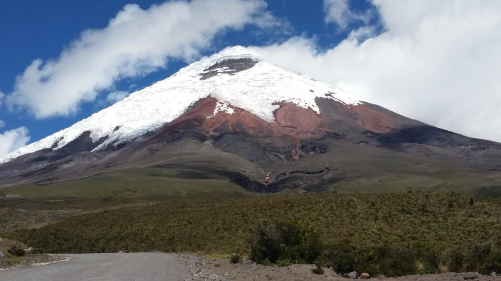 Ecuador tourist attractions, Cotopaxi guided tour, cotopaxi snow capped volcano, Cotopaxi volcano, cotopaxi day trip, cotopaxi day tour, ecuatouring