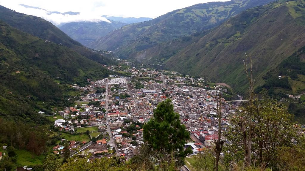 baños lookout point, baños end of the world swing, banos from quito