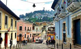 La Ronda, La Ronda Street, Quit day tours, Ecuatouring, quito touristic atractions