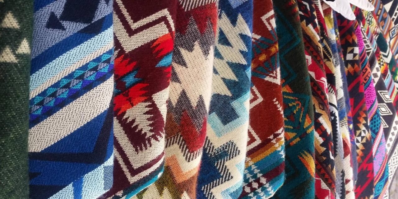 https://www.ecuatouring.com/wp-content/uploads/2018/09/Otavalo-market-days-1280x640.jpg