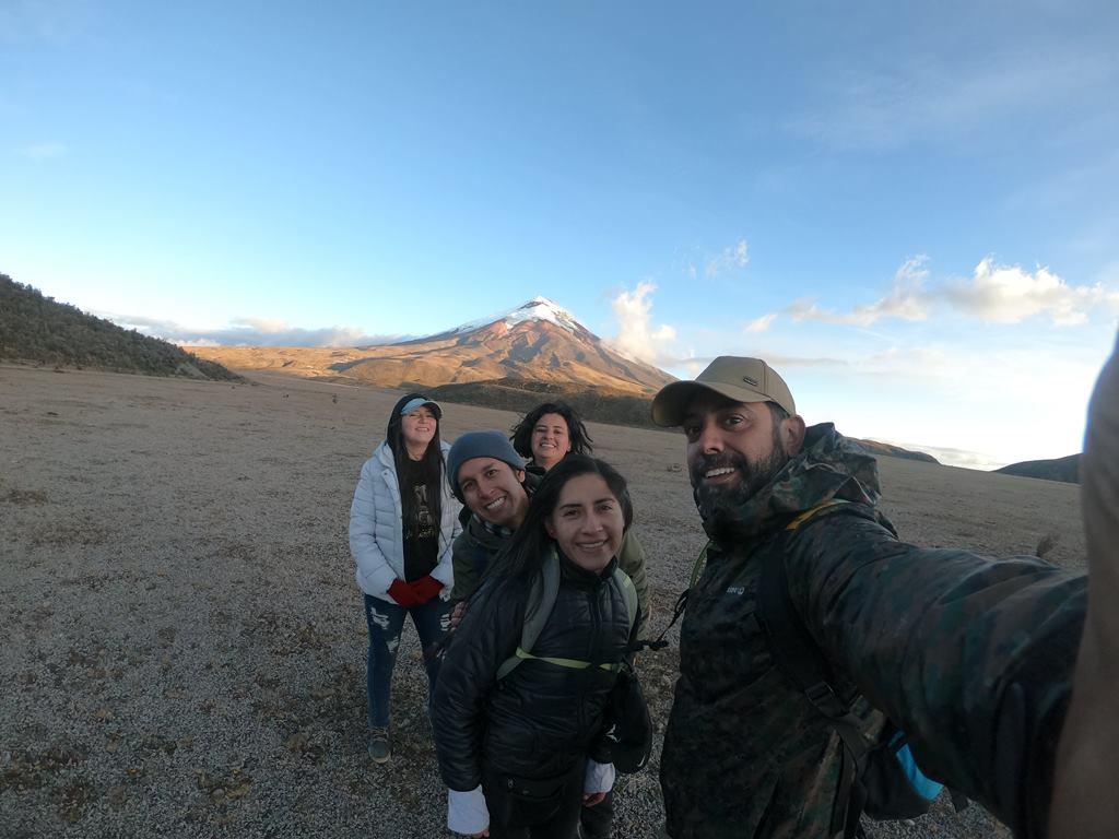 https://www.ecuatouring.com/wp-content/uploads/2020/12/cotopaxi-vocano-tour.jpg