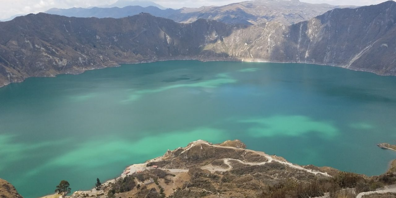 https://www.ecuatouring.com/wp-content/uploads/2021/02/Quilotoa-crater-lake-tour-7-1280x640.jpg